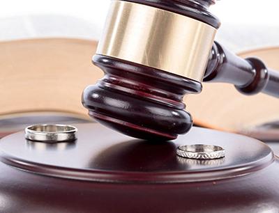 تحلیل نقش حمایتی قانون حمایت خانواده و دادگاه های خانواده با اشاره به قانون مدنی
