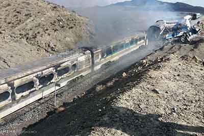 ۳ نفر از عوامل برخورد دو قطار مسافربری در سمنان بازداشت شدند