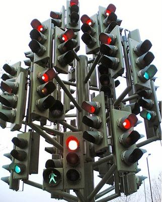 قانون گریزی ناشی از مقرارت راهنمایی و رانندگی و نحوه اجرای آن