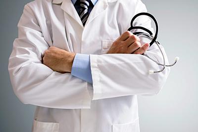بیمه برای قصور پزشکی