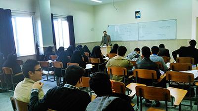 وجود یک میلیون و ۷۰۰ هزار صندلی خالی در دانشگاههای کشور