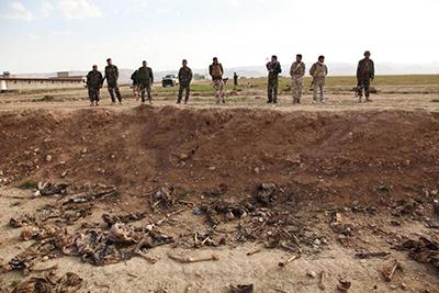 کشف گور دسته جمعی از اجساد ۳۰۰ نیروی پلیس سابق عراق در نزدیکی موصل