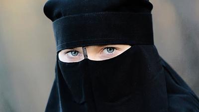 ممنوعیت پوشش برقع فراگیر میشود!