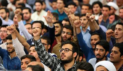 تولد جنبش دانشجویی در ضدیت با استبداد و استعمار است